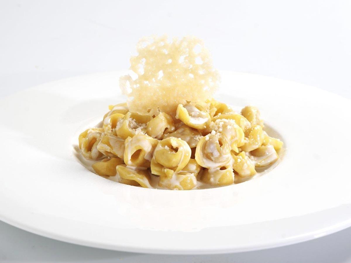 harrysbar_hotel_tortellini_cream_parmigiano_1200